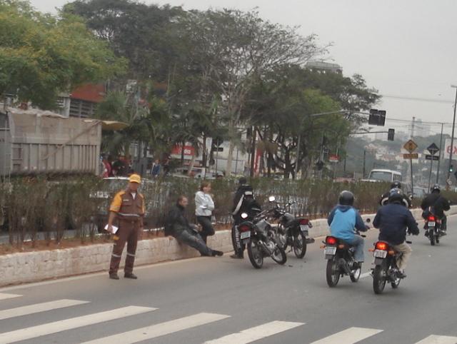 Foto-Notícia: Motoqueiro Acidentado