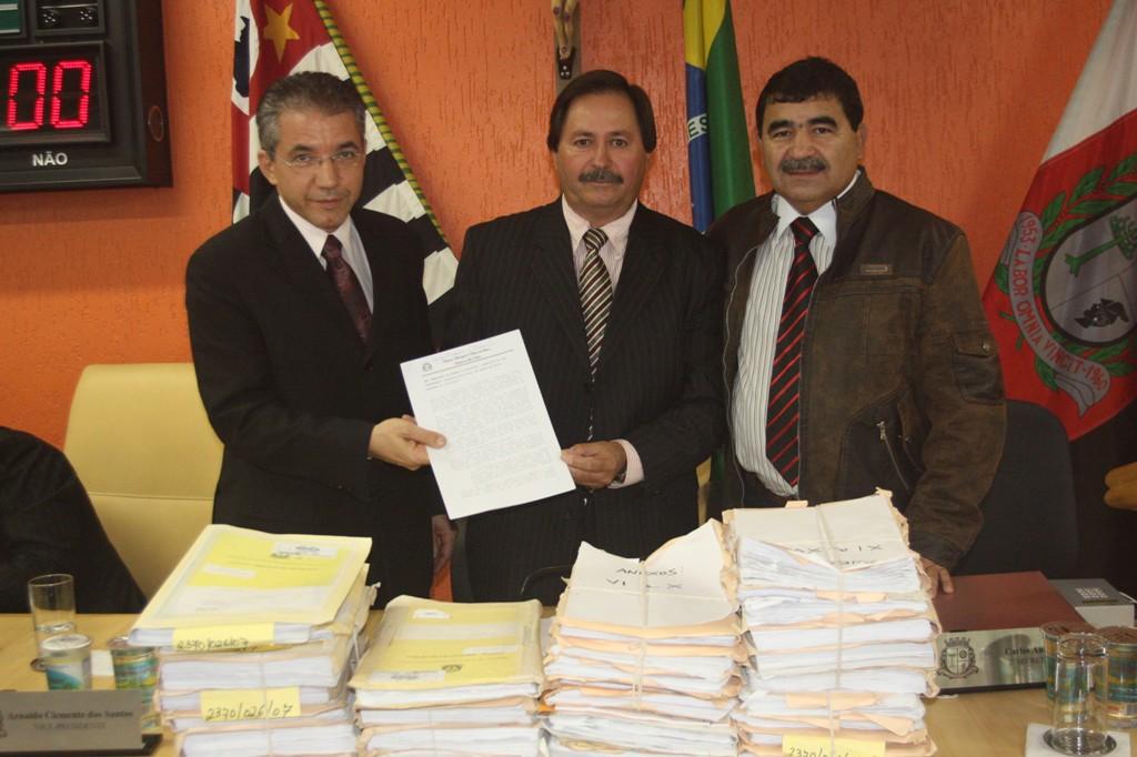 Câmara aprova contas da prefeitura de 2007