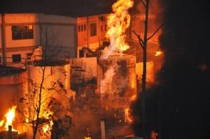 Incêndio em distribuidora de combustíveis (Foto: Jornal Na Net)