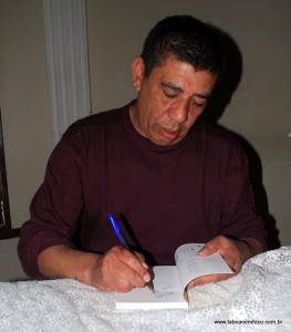 """Poeta Sérgio Vaz é um dos homenageados com a medalha """"19 de Fevereiro"""""""