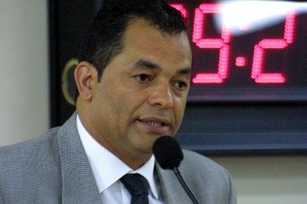 TCE rejeita contas da câmara de 2009, presidida por José Luiz Eloi. (Foto: Divulgação / CMTS)