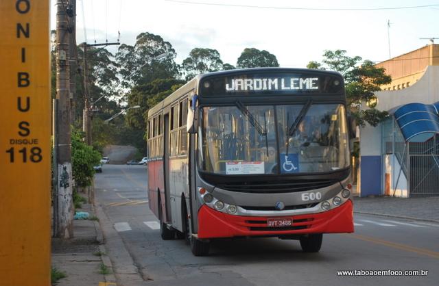 Tarifa de ônibus aumenta para R$ 3 e se torna uma das mais caras do Brasil.