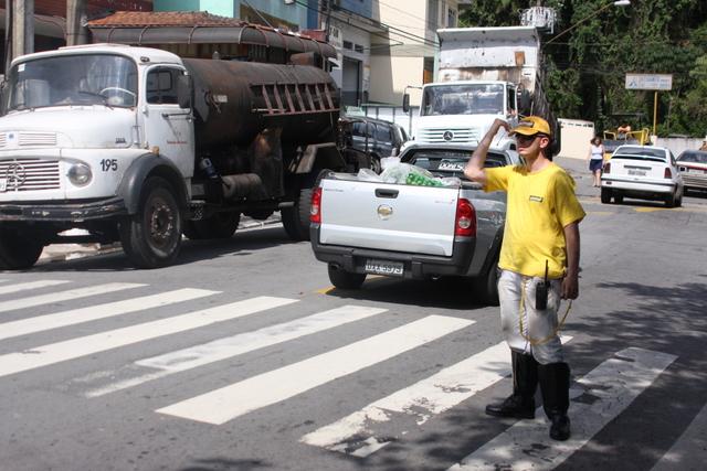 Agentes de trânsito estarão nas ruas para orientar motoristas e pedestres. (Foto: Divulgação / PMTS)
