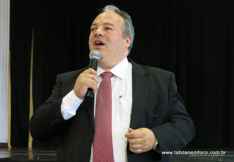 Roberto Lancaster durante palestra