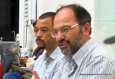 Os petistas Wagner Eckstein e Professor Moreira são as principais vozes do grupo contra o Poupatempo na Praça.