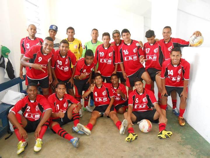 Parte do elenco que vai disputar a Copa São Paulo de 2014. (Foto: Reprodução Facebook)