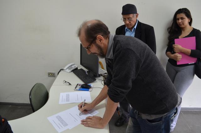 Artistas protocolam carta com pedido de reunião com prefeito Fernando Fernandes.