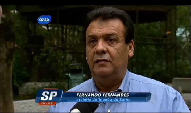 Fernando Fernandes promete a TV Record que vai iniciar em breve as benfeitorias no Parque das Hortênsias. (Foto: Reprodução / TV Record)