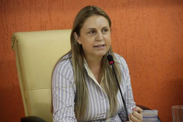 Vereadora Luzia Aprígio é autora do projeto que beneficia alunos da rede municipal (Foto: Divulgação)