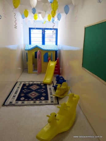 Um dos espaços reservados para que as crianças possam brincar na EMI Dorinha.