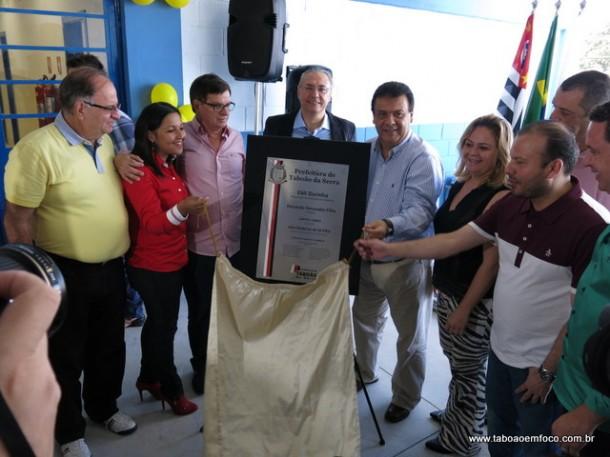 Prefeito de Taboão da Serra, Fernando Fernandes, reinaugura a EMI Dorinha na região do Leme.