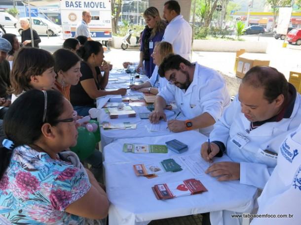Moradores de Taboão da Serra e região receberam orientação farmacêutica gratuita.