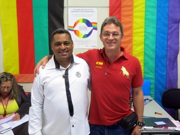 Os coordenadores da Igualdade Racial Sousa Santos e da Diversidade Sexual Márcio Carneiro prometem um trabalho em conjunto contra a discriminação em Taboão da Serra.