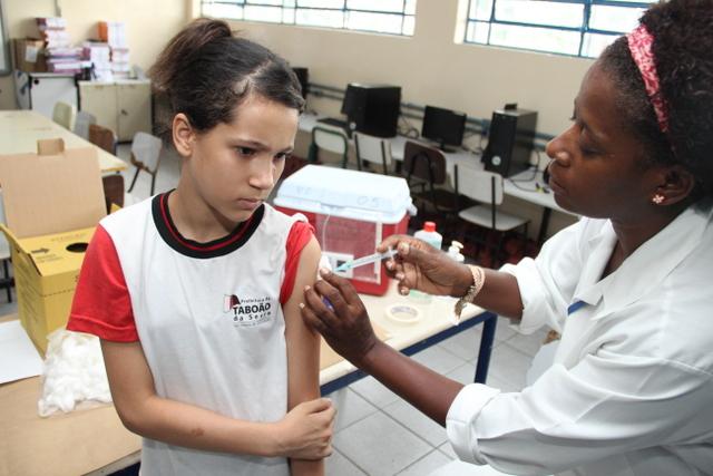 Desde o inicio da campanha já receberam a vacina contra o HPV 6052 meninas entre 11 e 13 anos. (Foto: Ricardo Vaz / PMTS)