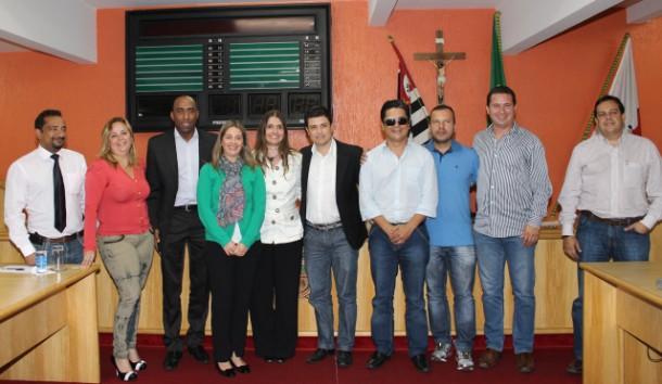 No dia 9 de outubro de 2013, representantes do Shopping Taboão, vereadores e secretário de Obras, Rogério Balzano firmaram compromisso para construção da alça no prazo.