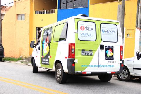 Ações da Coleta Seletiva estão nas ruas de Taboão da Serra através do Programa Dê a Mão para o Futuro (Foto: Vagner Hernandez / PMTS)
