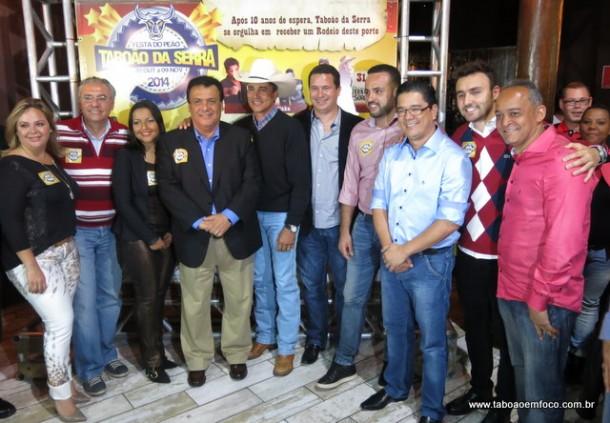 Politicos celebram lancamento do Rodeio de Taboao da Serra_Out14
