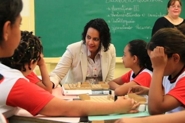 Peruanos visitaram a EMEF Ana Mafalda e conheceram o programa AvantGard College (Foto: Vagner Hernandez / PMTS)