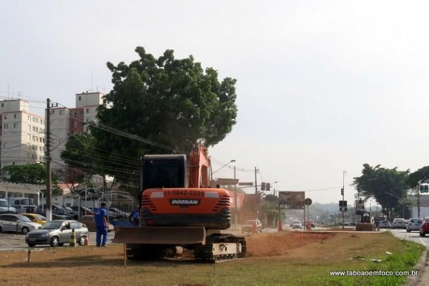 Máquinas iniciam a construção do segundo trecho da ciclovia, que vai da divisa de São Paulo com Taboão até o Metrô Butantã.