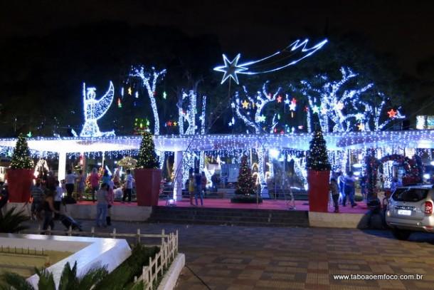 Praça Nicola Vivilechio ganha nova decoração de natal em 2014.