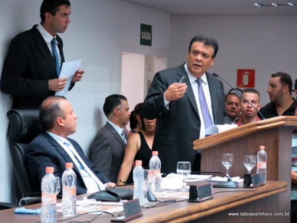 Prefeito Fernando Fernandes destaca a qualidade do novo prédio da Câmara