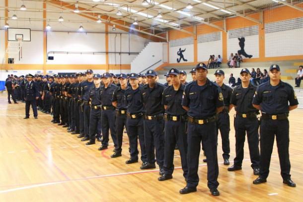 Novos agentes se formaram na sexta-feira, 28, e passam a incorporar a GCM com outros 215 guardas (Foto: Ricardo Vaz / PMTS)