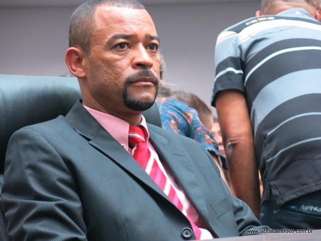 Apontado com um dos vereadores que podem mudar o voto a presidente da Câmara, Professor Moreira reafirma voto em Marcos Paulo.