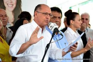 Governador Alckmin fez críticas ao governo federal, mas teve que falar sobre a falta de água no Estado.