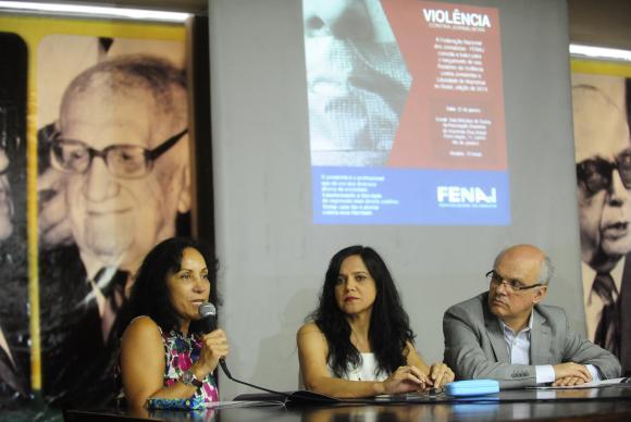 O presidente da Fenaj, Celso Schröder, disse que, além de policiais, jornalistas foram agredidos por manifestantes e políticos(Foto: Tomaz Silva / Agência Brasil)