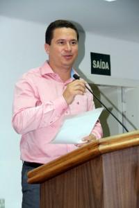 Aumenta a pressão para que o vereador Eduardo Nóbrega deixe a CEI que investiga o Shopping Taboão. (Foto: Cynthia Gonçalves / CMTS)