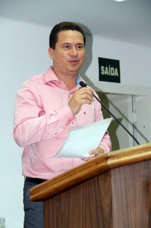 Vereador Eduardo Nóbrega assume na Câmara a liderança do prefeito Fernando Fernandes. (Foto: Cynthia Gonçalves / CMTS)