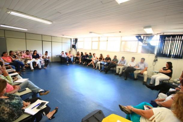 Reunião com as Secretarias e demais departamentos da Prefeitura de Taboão definiu as ações de combate a dengue que acontece no dia 28 (Foto: Ricardo Vaz / PMTS)