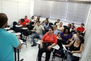 Cursos oferecidos na Escola de Gastronomia são divididos entre aulas práticas e teóricas (Foto: Vagner Hernandez / PMTS)