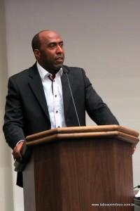 Vereador Eduardo Lopes se comprometeu a dar uma resposta breve sobre a canalização.