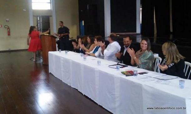 Autoridades durante evento no Cemur em Taboão discute a violência contra a mulher.