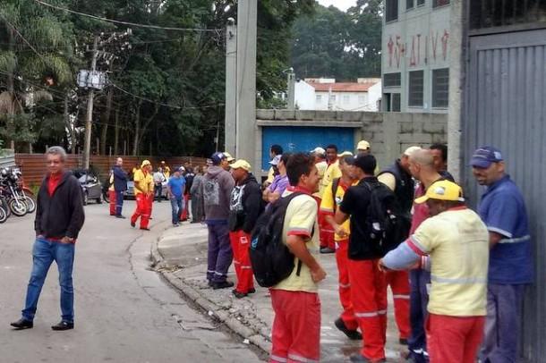 Greve dos garis em Taboão da Serra termina após julgamento no TRT. (Foto: Reprodução)
