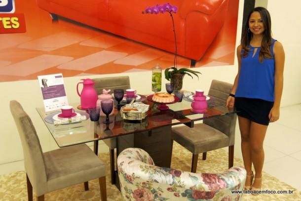 A blogueira Ana Michelle explica como é muito simples montar uma mesa.