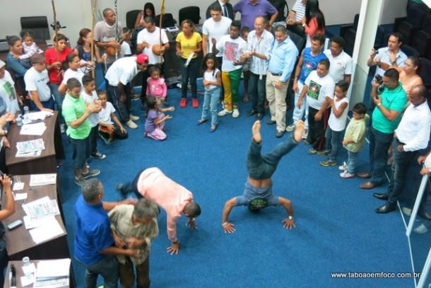 Roda de Capoeira no plenário da Câmara de Taboão da Serra .