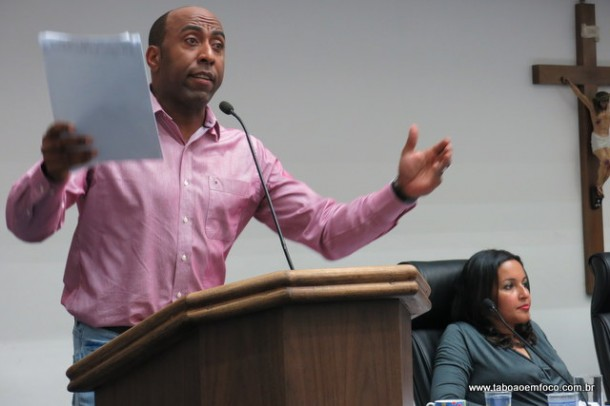 Eduardo Lopes preside a CPI, que conseguiu derrubar liminar que suspendia a comissão.