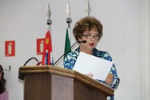 Secretária Raquel Zacainer durante audiência. (Foto: Cynthia Gonçalves / CMTS)