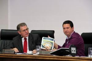 Secretário de Segurança Gerson Brito e o presidente da Comissão de Segurança da Câmara Eduardo Nóbrega. (Foto: Cynthia Gonçalves / CMTS)