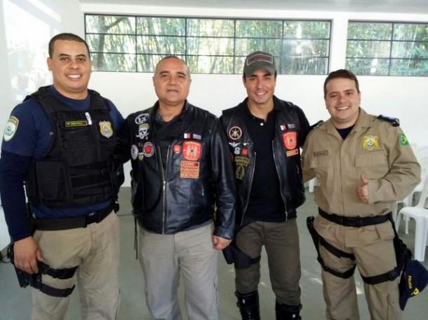 Encontro entre motociclistas e a Polícia Rodoviária Federal em Itapecerica da Serra discute segurança sobre duas rodas. (Foto: Divulgação)