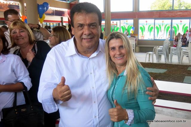 Em lados opostos até 2014, Prefeito Fernando recebe apoio de líder comunitária Mara do Novo Record.