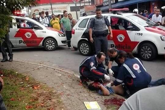 Homem baleado no Jardim Freitas Júnior. (Foto: Reprodução / Whatsapp)