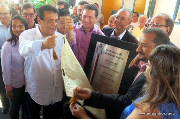 Prefeito Fernando Fernandes e vereadores inauguram EMI Jurema, no Parque Pinheiros.