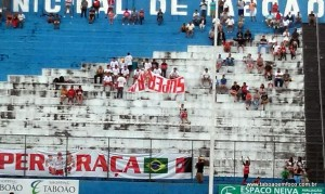 Torcida Super Raça cobrou reforços na última partida da equipe no José Feres