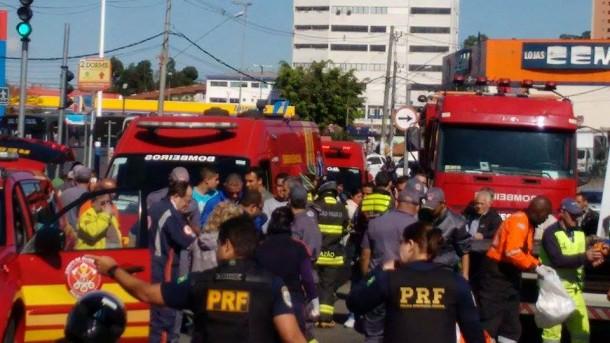 Acidente com morte no Largo do Taboão. (Foto: Andrea Mathias)