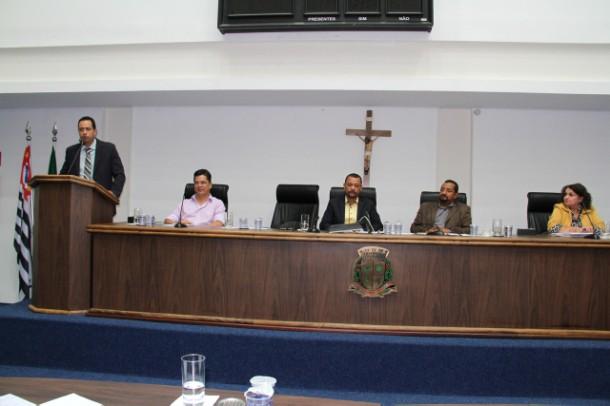 Concessionárias de serviço público ignoram convite à audiência pública do Direito do Consumidor na Câmara de Taboão da Serra. (Foto: Cynthia Gonçalves / CMTS)