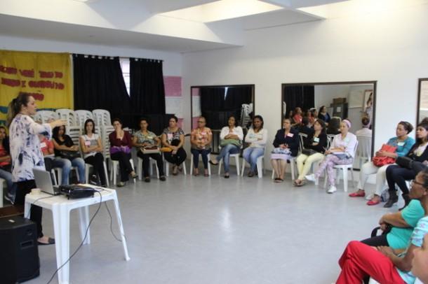 Curso de Cuidadores Informais já formou 400 pessoas desde a sua implantação em 2013 (Foto: Charles Eliseu / PMTS)