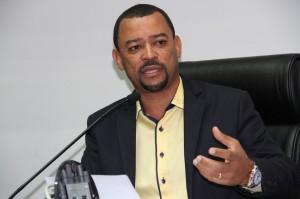 Presidente da Comissão dos Consumidores durante audiência na Câmara. (Foto: Cynthia Gonçalves / CMTS)